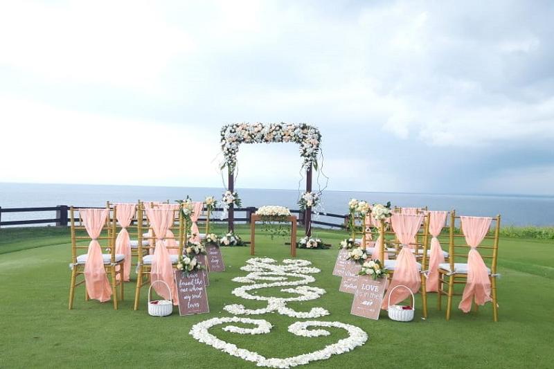 Cliff Side Bali Wedding
