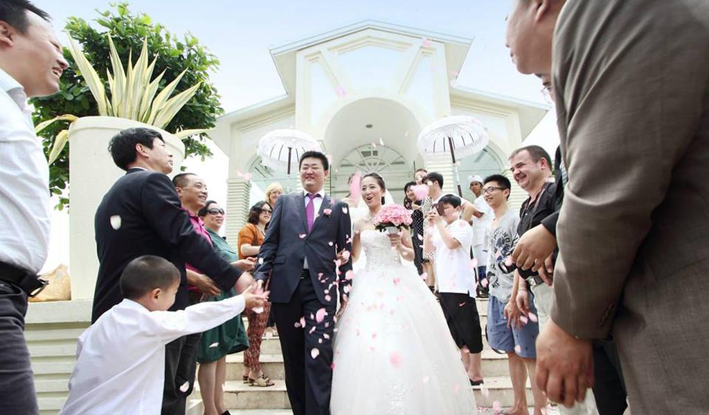 wedding ceremony in bluepoint chapel bali