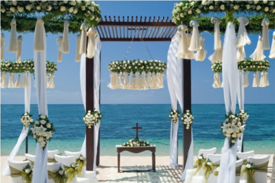 elegant decoration for bali beachfront wedding